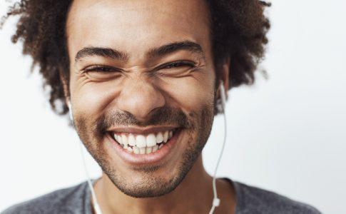 Gesichtsfalten - Altersflecken, Hautpflege mit Vitamin-D,